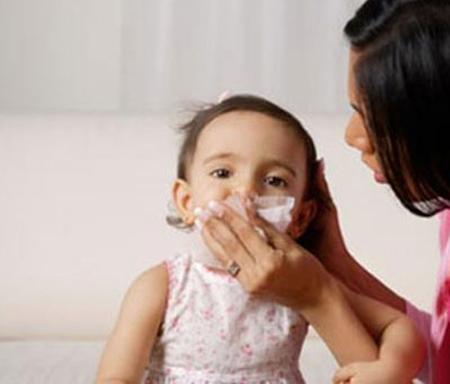 Chăm sóc bé khi bé mắc viêm xoang 1