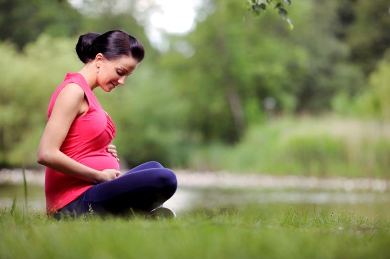 Viêm mũi dị ứng khi mang thai phải làm gì? 1