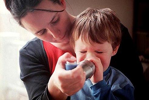 Điều trị viêm mũi dị ứng cho bé 1