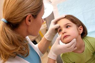 Cách phòng bệnh viêm mũi dị ứng ở trẻ 1