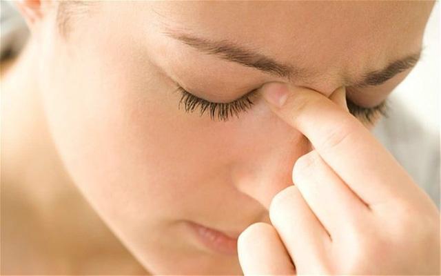 Làm gì để giảm đau đầu khi bị viêm xoang? 1