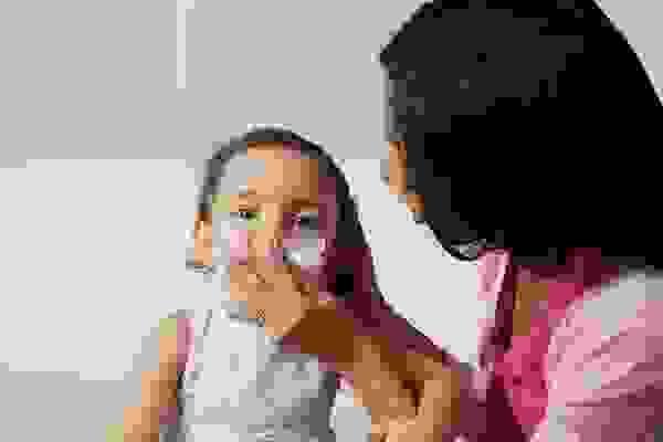 Chữa sổ mũi cho bé theo cách dân gian 1