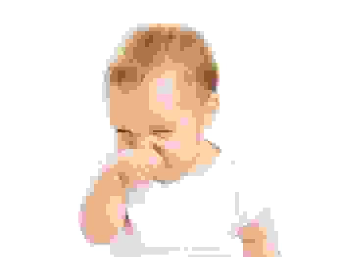 Nghẹt mũi ở trẻ sơ sinh cần làm gì? 1