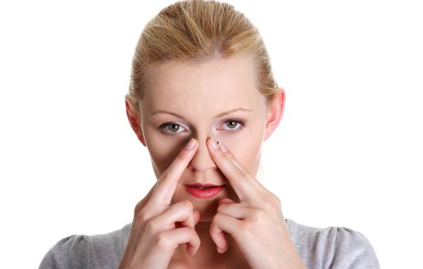 Bị viêm xoang mũi phải làm gì? 1